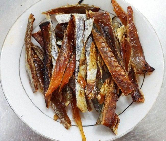 Cách nướng cá chỉ vàng bằng cồn đơn giản nhất!